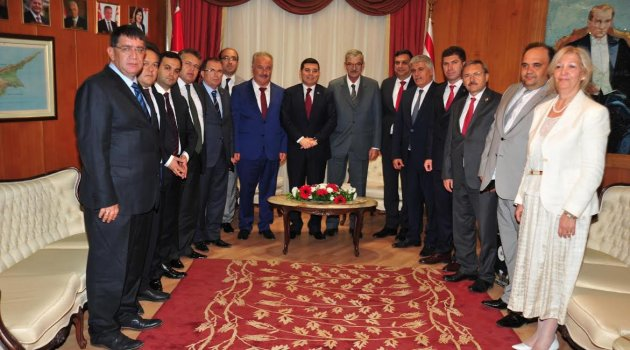 AKBB Kıbrıs'a çıkarma yaptı