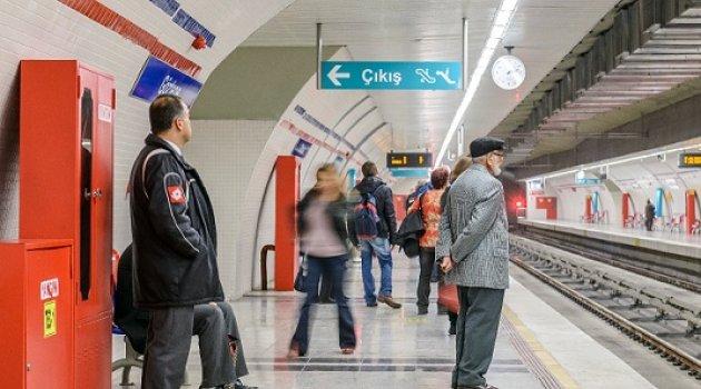 İzmir'de metro istasyonlarında ''ücretsiz internet'' dönemi başladı