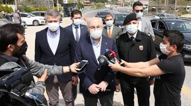 İzmir Valisi  Köşger, Uygulama Noktasında Koronavirüs Tedbirlerini Denetledi