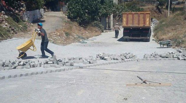 KOZBEYLİ'DE PARKE TAŞ YOL TAMİRATLARI