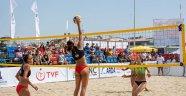 Dikili'de Plaj Voleybolu Şampiyonası Son Buldu