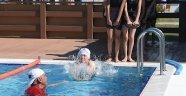 İki ayda 5 bin çocuk yüzme öğrendi